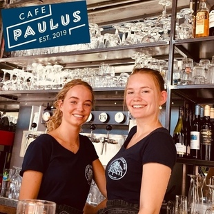 WELKOM BIJ CAFE PAULUS // WELCOME TO OUR BAR
